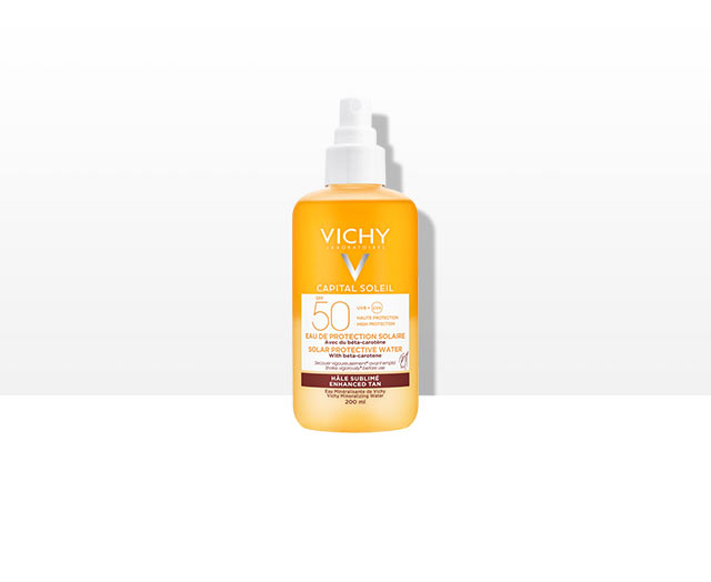 CAPITAL SOLEIL -  Ochranný sprej s betakaroténom SPF 50. Vysoká širokospektrálna UV ochrana s prelomovými senzorickými vlastnosťami.