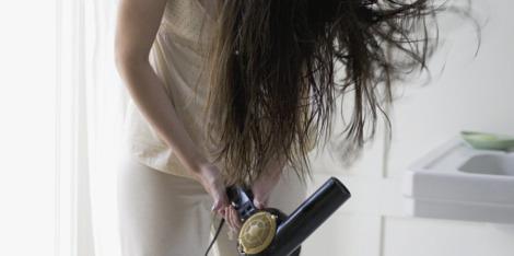 3 stylingové tipy pre rednúce vlasy
